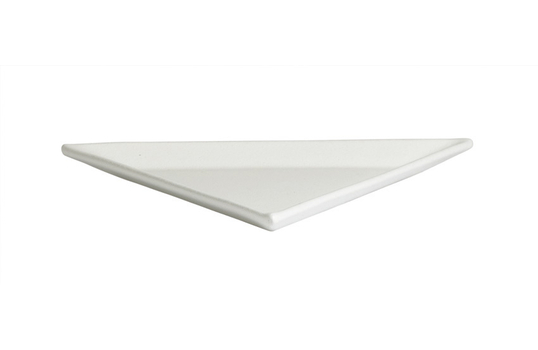 1.3 qt. L Triangular Platter, Mod Finish